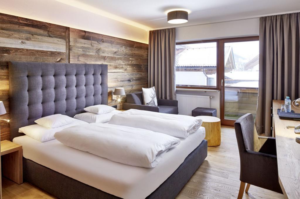 Mountain boutiquehotel der gr ne baum in der tiroler for Hotel design tirol